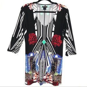 eva varro Women's Cityscape Eclectic Floral Tunic